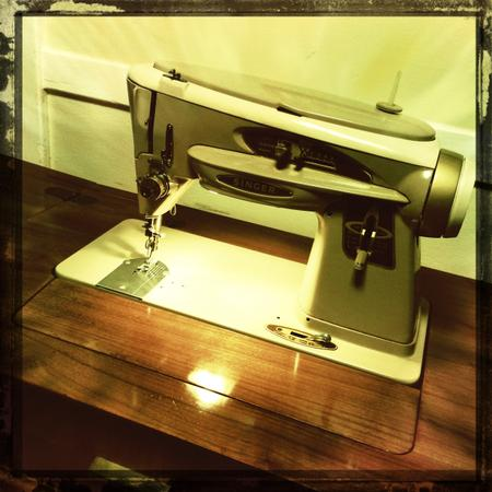 Singer Slant-o-Matic Sewing Machine & Cabinet