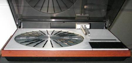 B&O 4002 turntable with cartridge