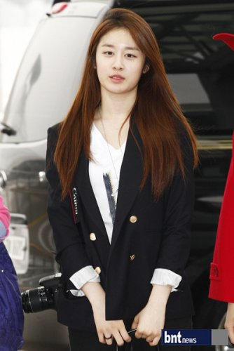 [TIARADIADEM.COM] T Ara At Incheon International Airport Departure For Europe (04.10)088