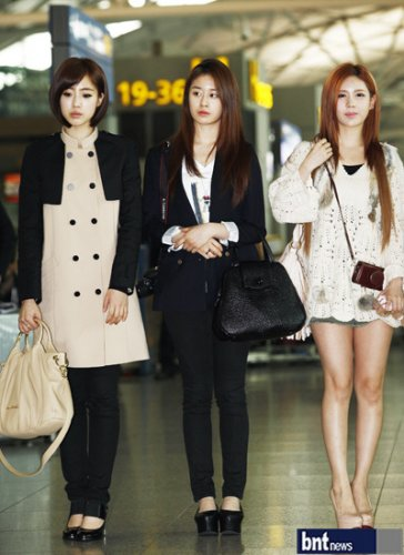 [TIARADIADEM.COM] T Ara At Incheon International Airport Departure For Europe (04.10)097