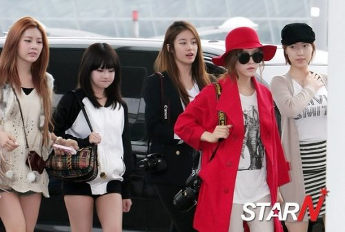 [TIARADIADEM.COM] T Ara At Incheon International Airport Departure For Europe (04.10)074