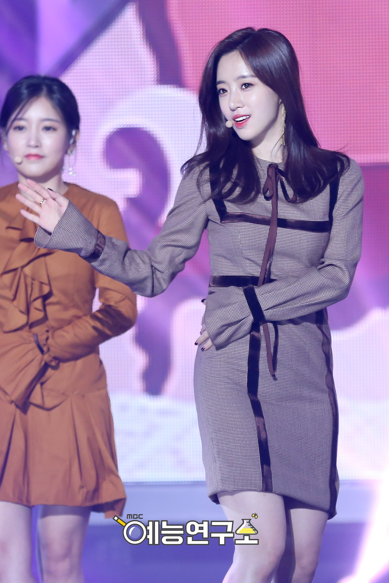 OFFICIAL] T-ara at MBC Show! Music Core (11/22) - Photos