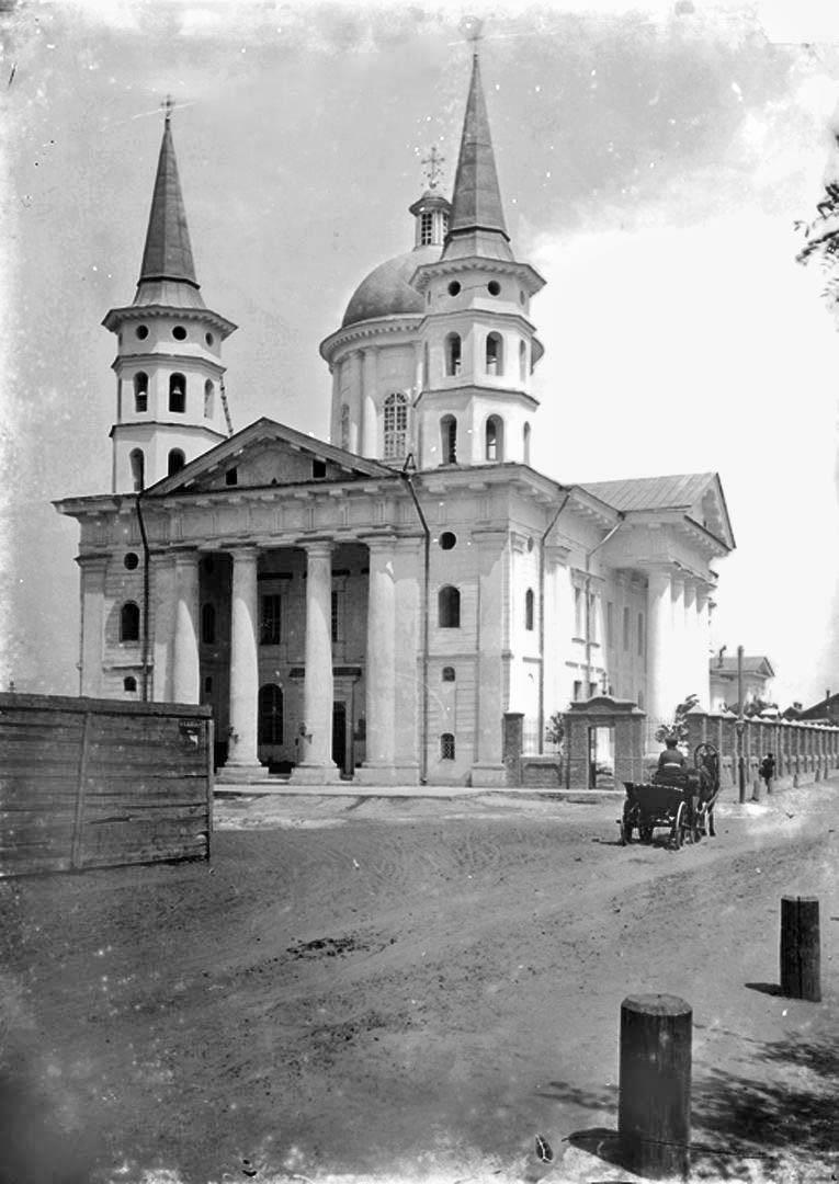 Armenian Church in Astrakhan.jpg