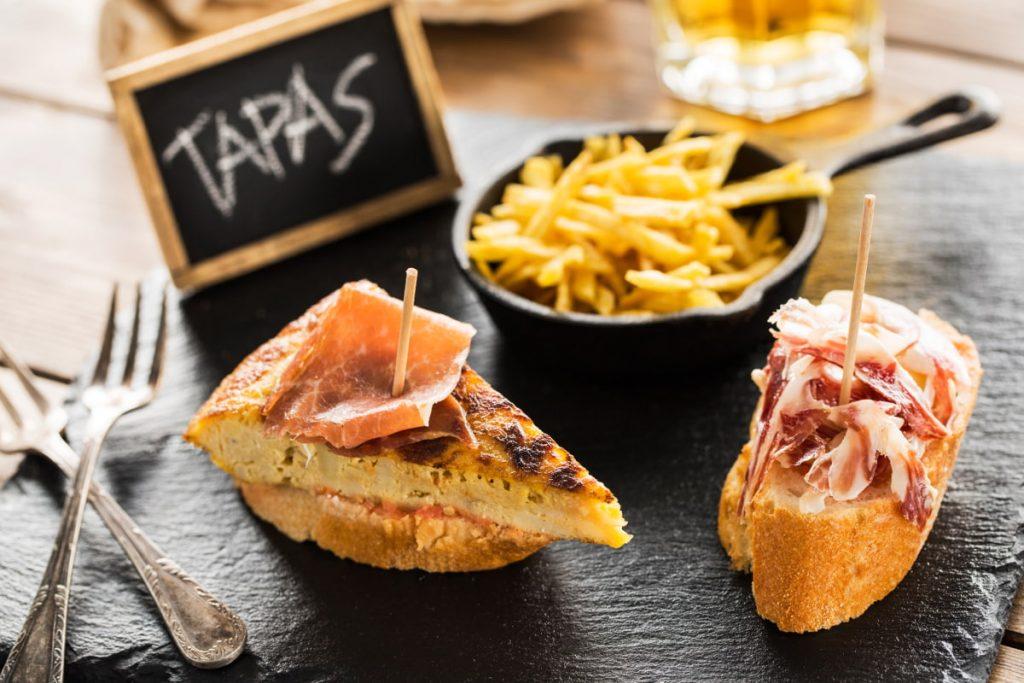 """Perché le """"Tapas"""" sono un trend in Spagna e i posti migliori dove gustarle"""