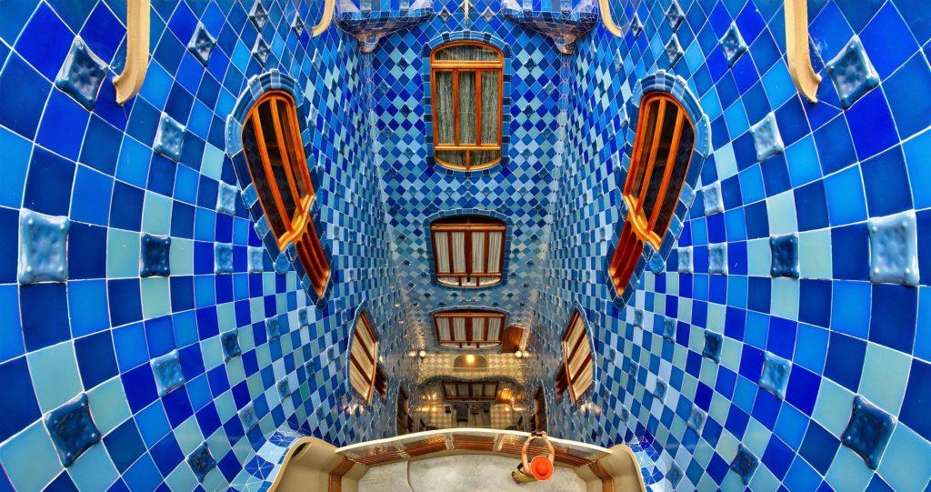 Come sentirsi al mare in Casa Batllò di Antoni Gaudì a Barcellona.