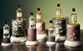 Come possedere un profumo unico: il percorso olfattivo e la creazione del tuo Eau de Parfum a Parigi.