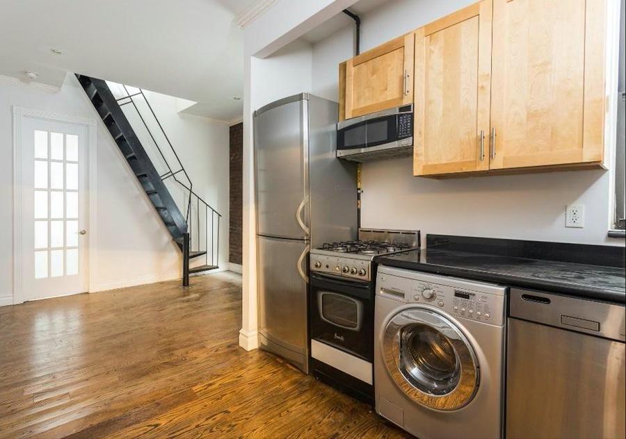 221 east 23rd street kitchen