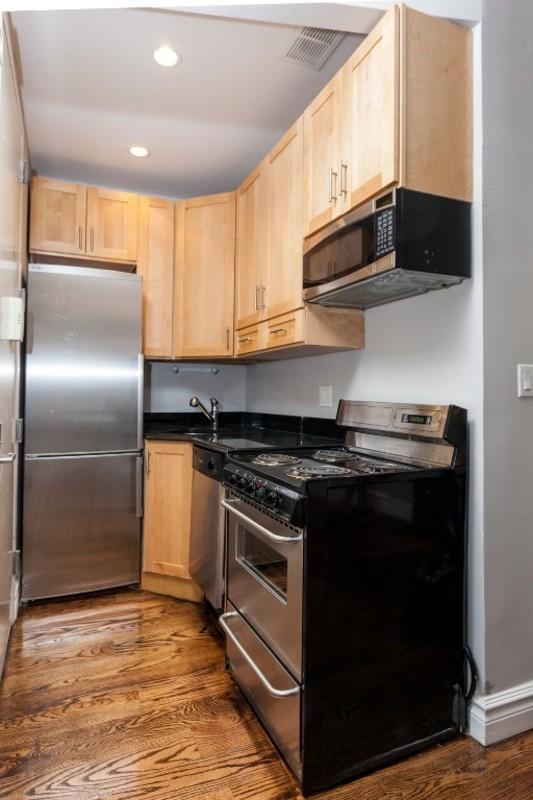 330 east 35th street kitchen