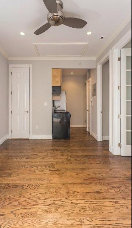 330 east 35th street living room%282%29