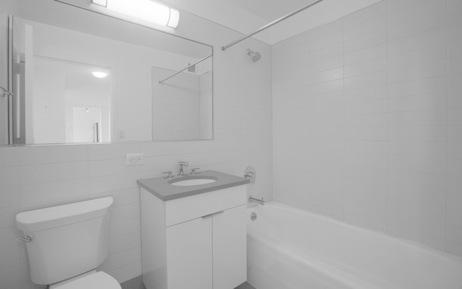 200 west 60th street concerto30f bathroom1low