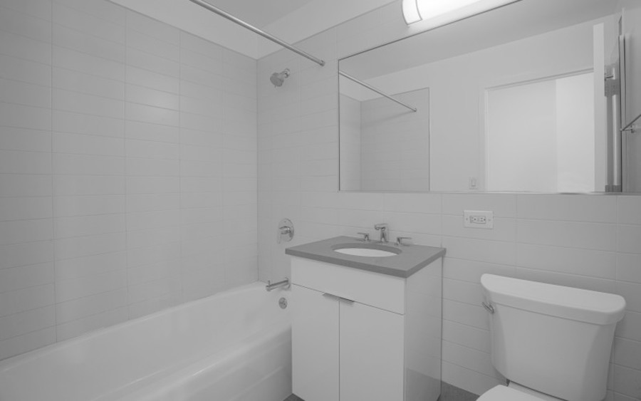 200 west 60th street concerto30f bathroom2low