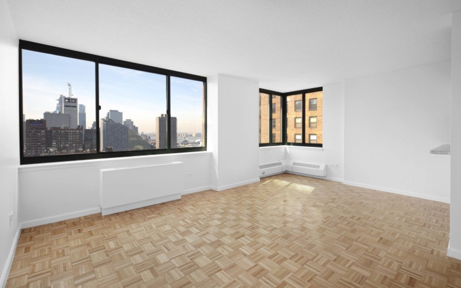 200 west 60th street concerto 22b livingroom2low