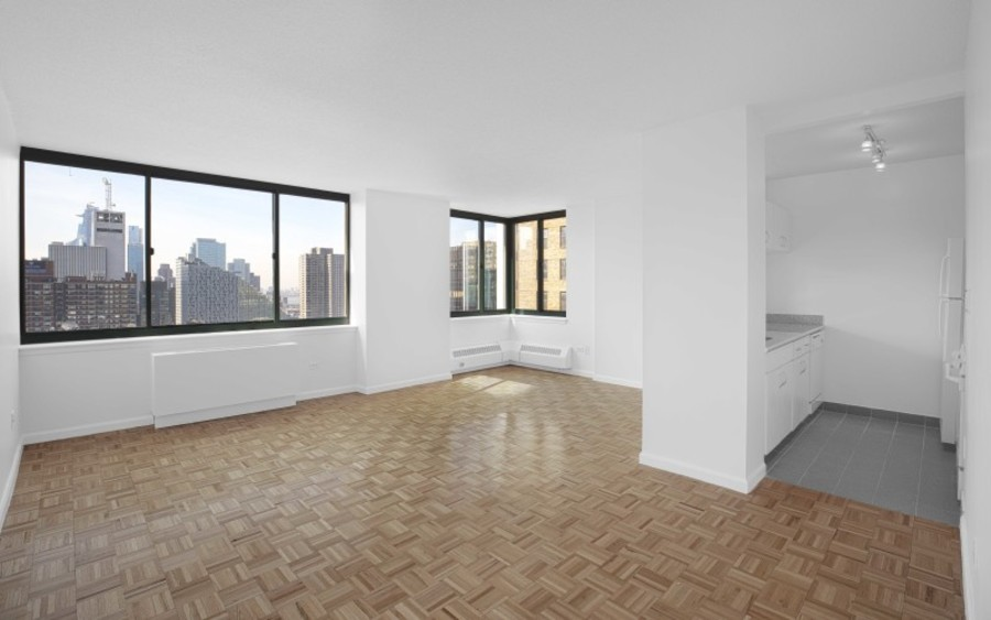 200 west 60th street concerto 22b livingroom1low