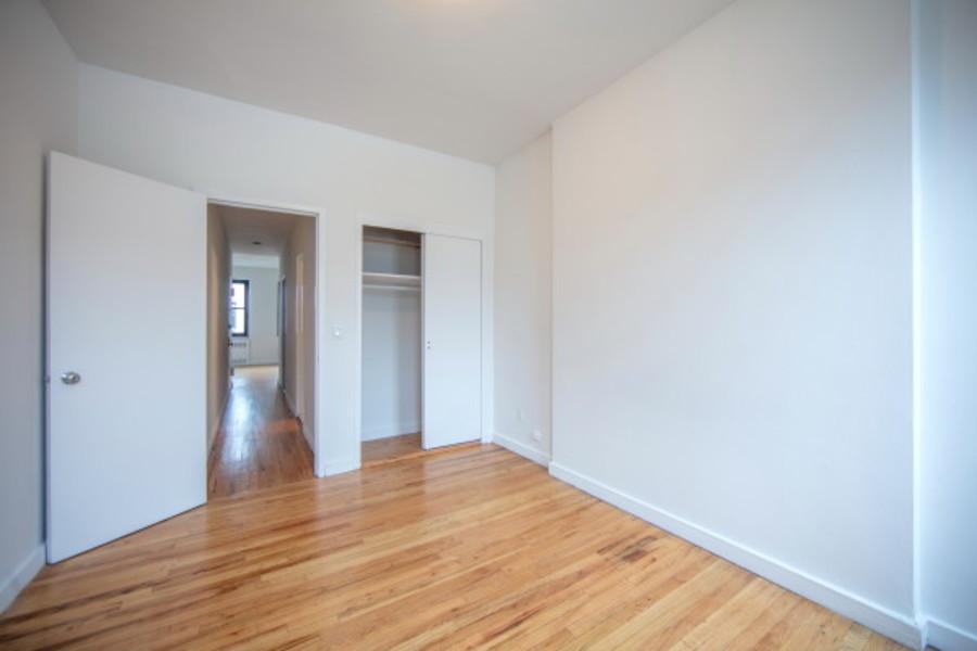 Sullivan mews bedroom
