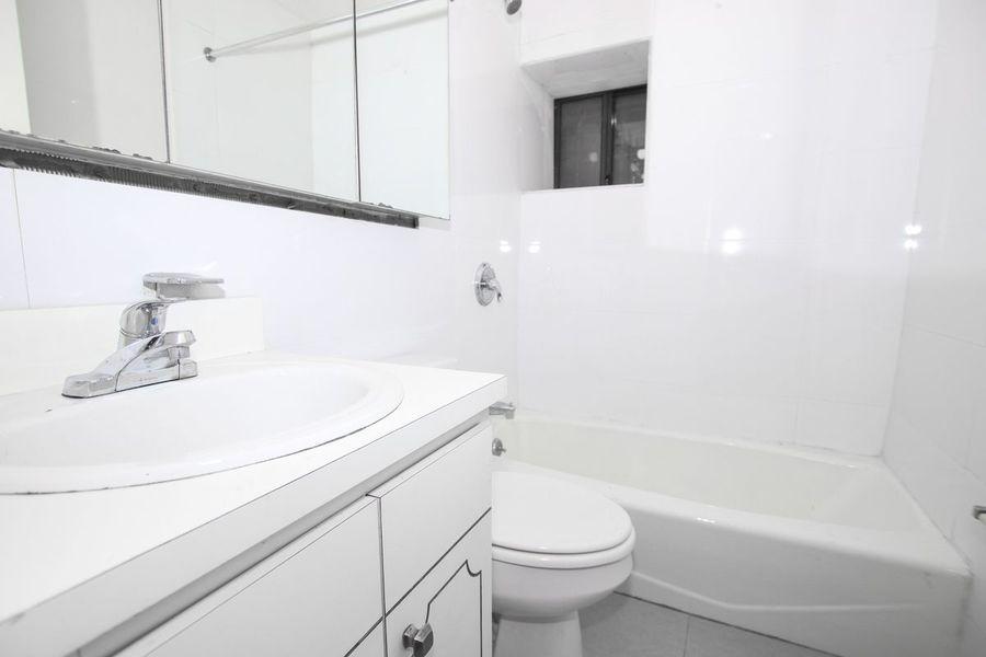 221 east 33rd street bathroom1