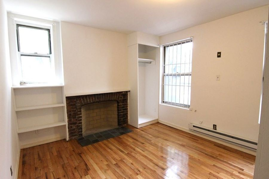 319 sixth avenue living room2