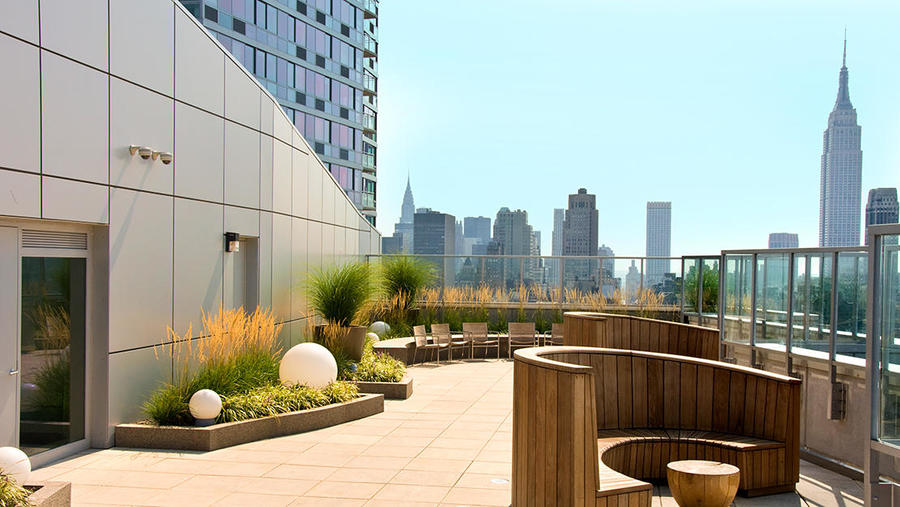 505 west 37th street roof lounge