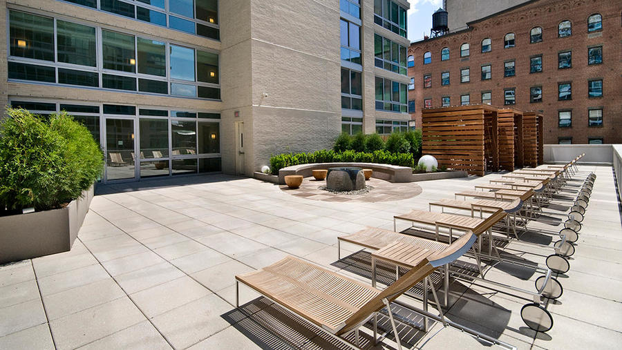 505 west 37th street roof sundeck