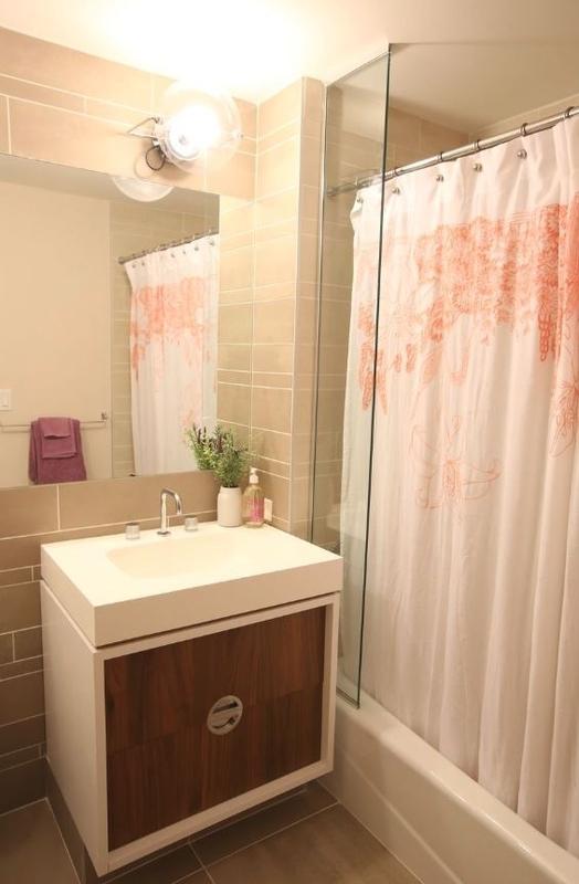 Gotham west bathroom1