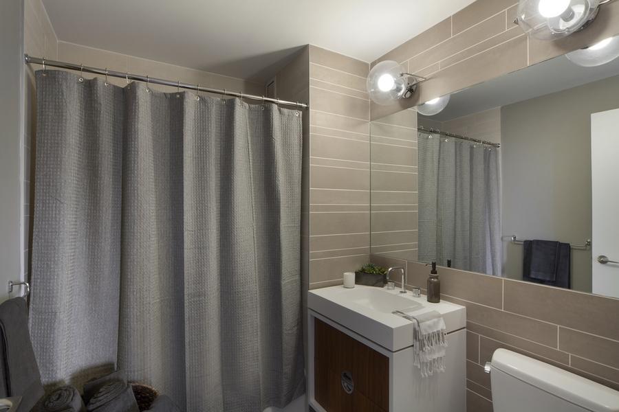 Gotham west bathroom4