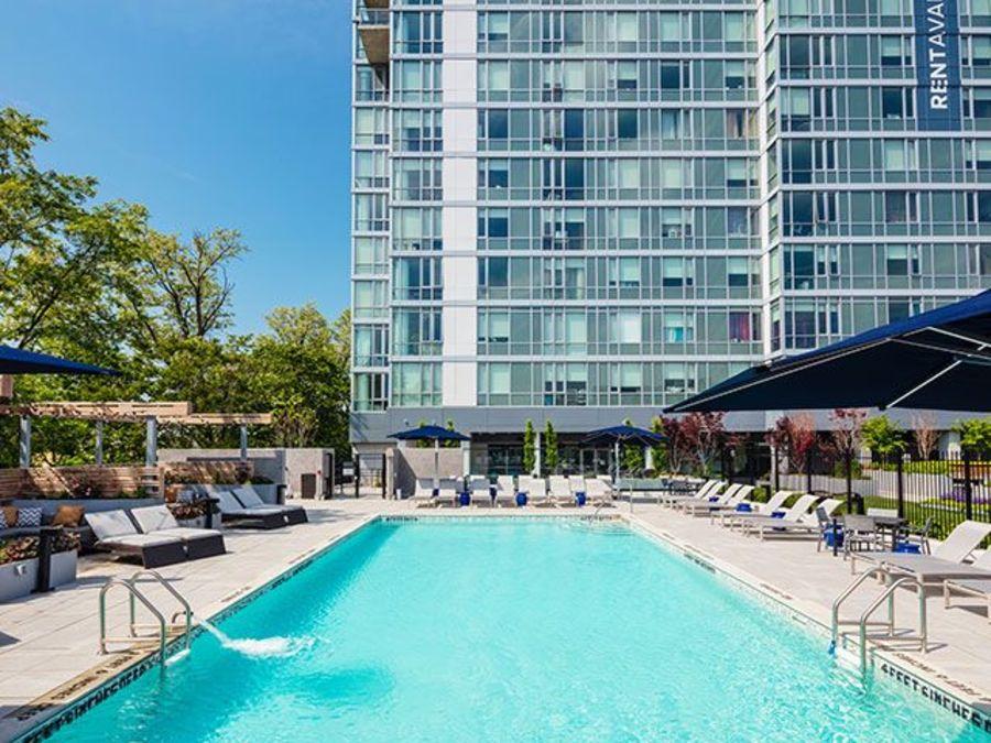 1501 voorhies avenue pool1