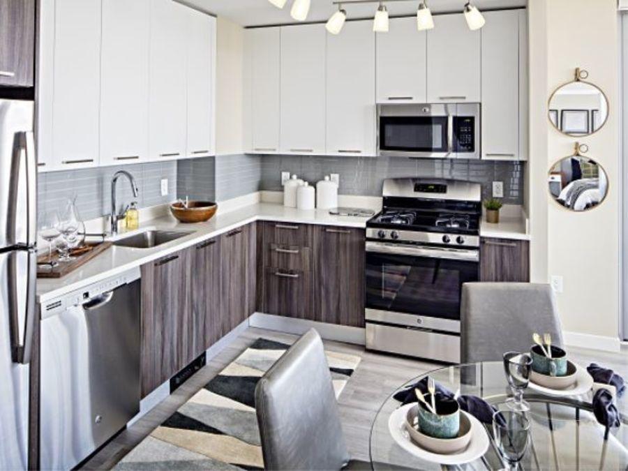 1501 voorhies avenue kitchen