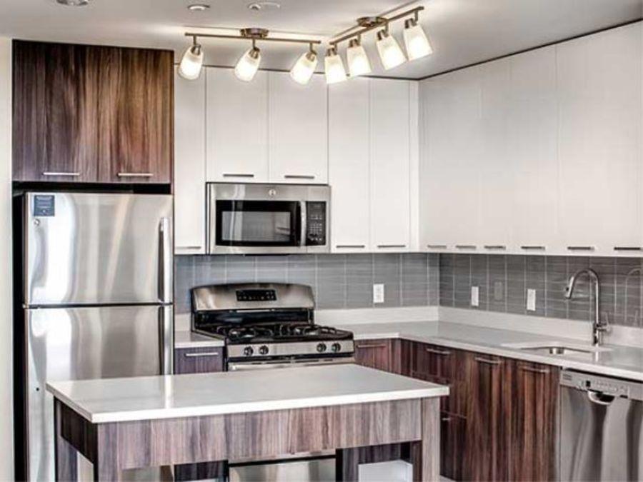 1501 voorhies avenue kitchen2