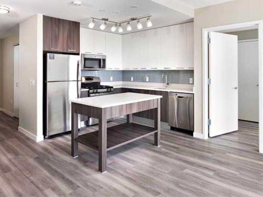 1501 voorhies avenue kitchen3