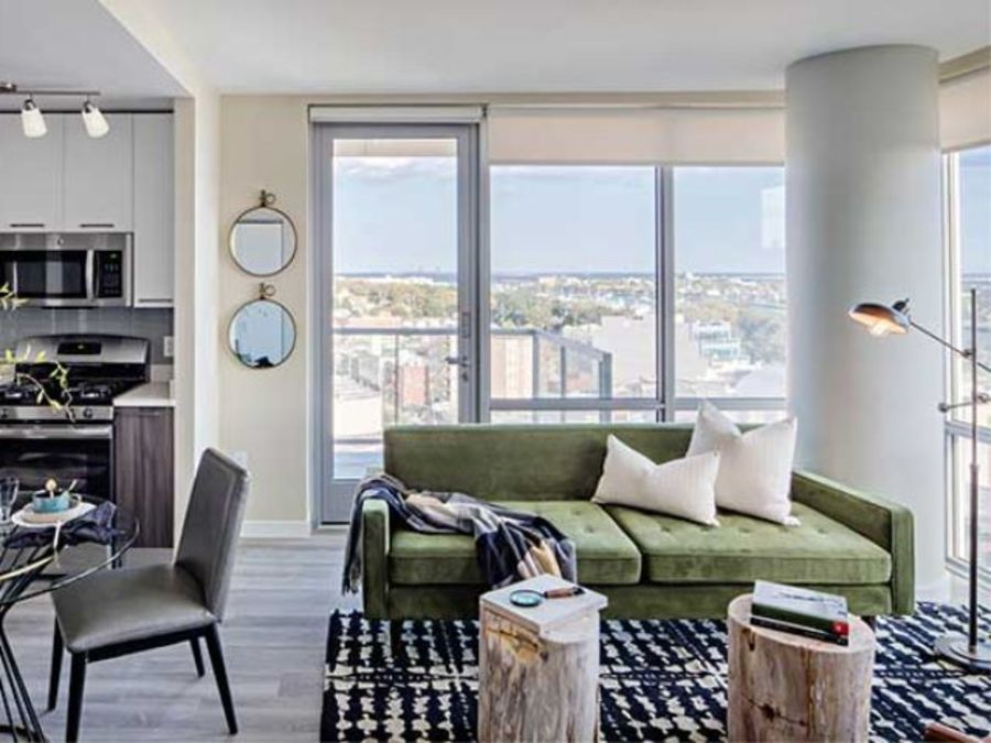 1501 voorhies avenue living room