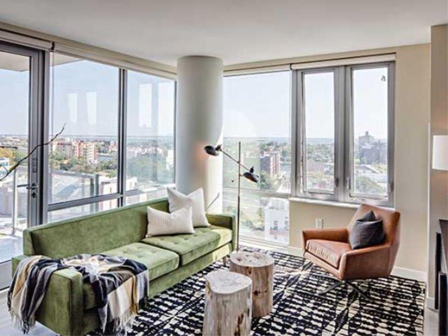 1501 voorhies avenue living room1
