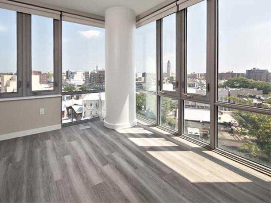 1501 voorhies avenue living room4