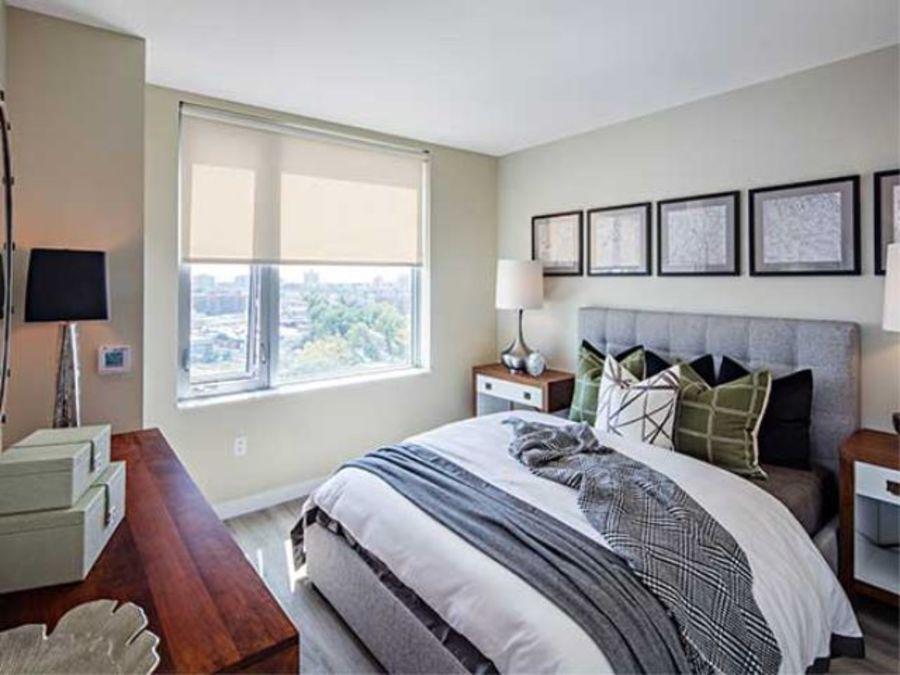 1501 voorhies avenue bedroom