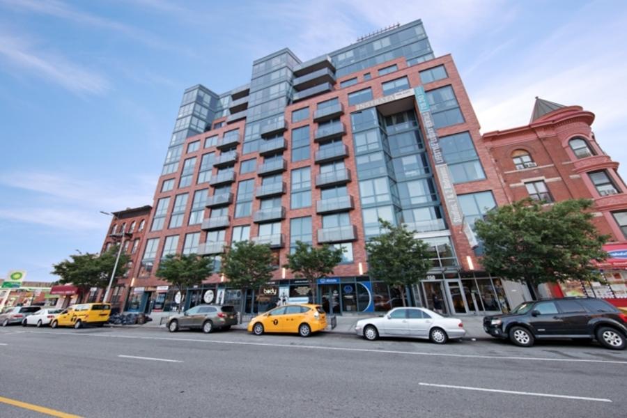 150 fourth avenue exterior