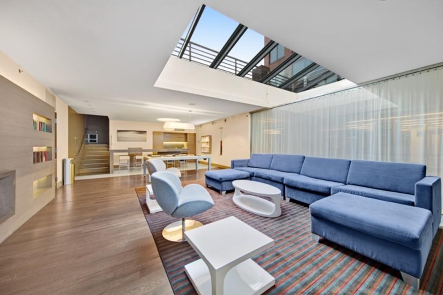 150 fourth avenue lounge