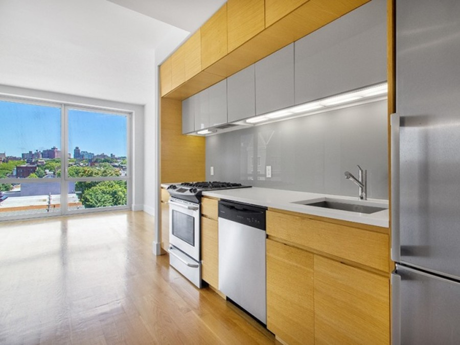 150 fourth avenue kitchen3
