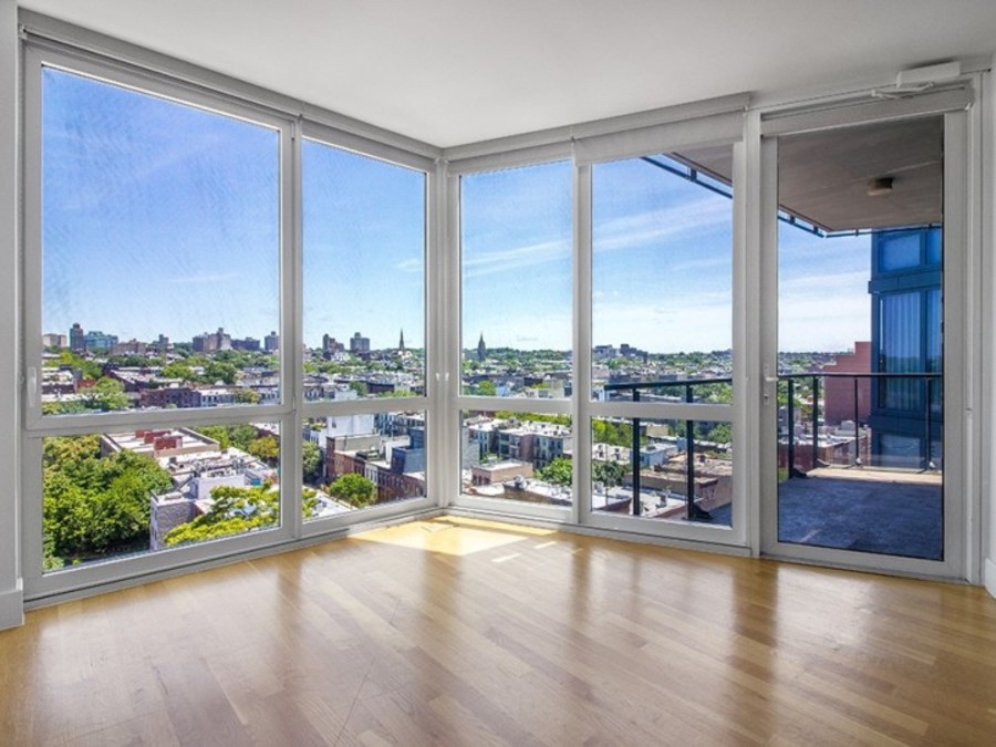 150 fourth avenue living room1