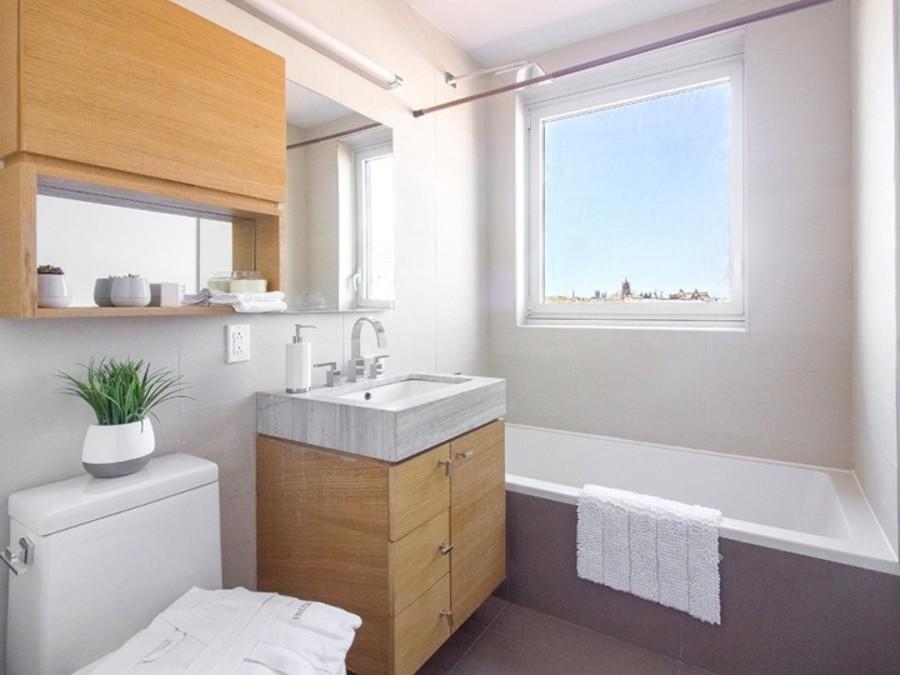 150 fourth avenue bathroom2