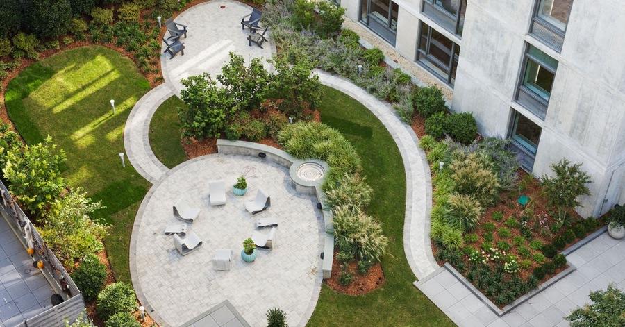 247n7 courtyard aerial