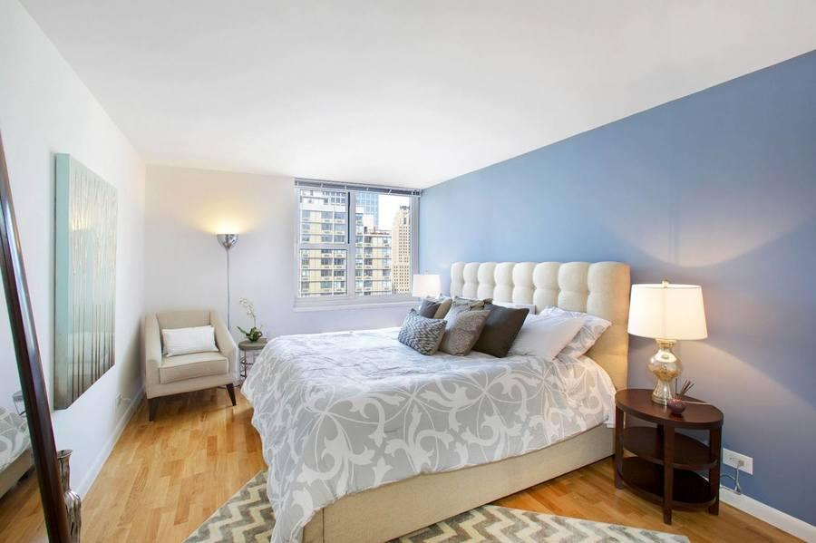 Gateway plaza bedroom1