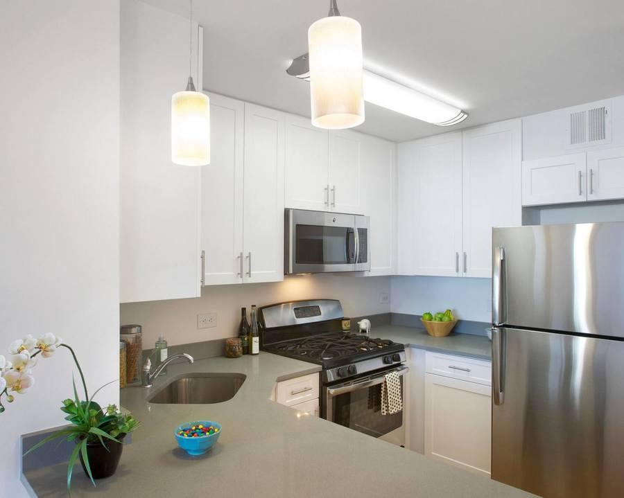 Gateway plaza kitchen3