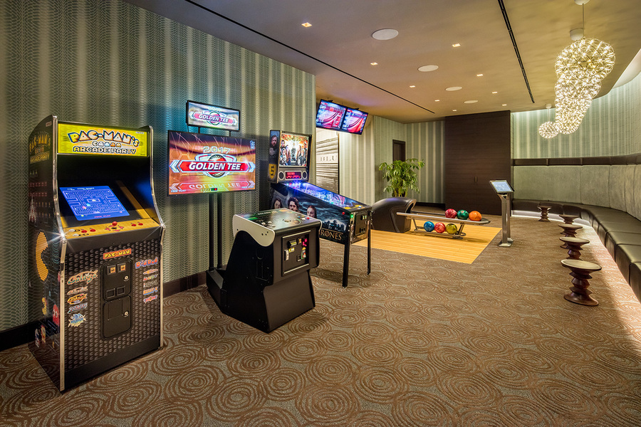 555 10th avenue gameroom1