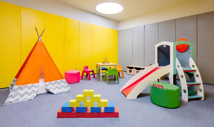 555 10th avenue childrens playroom