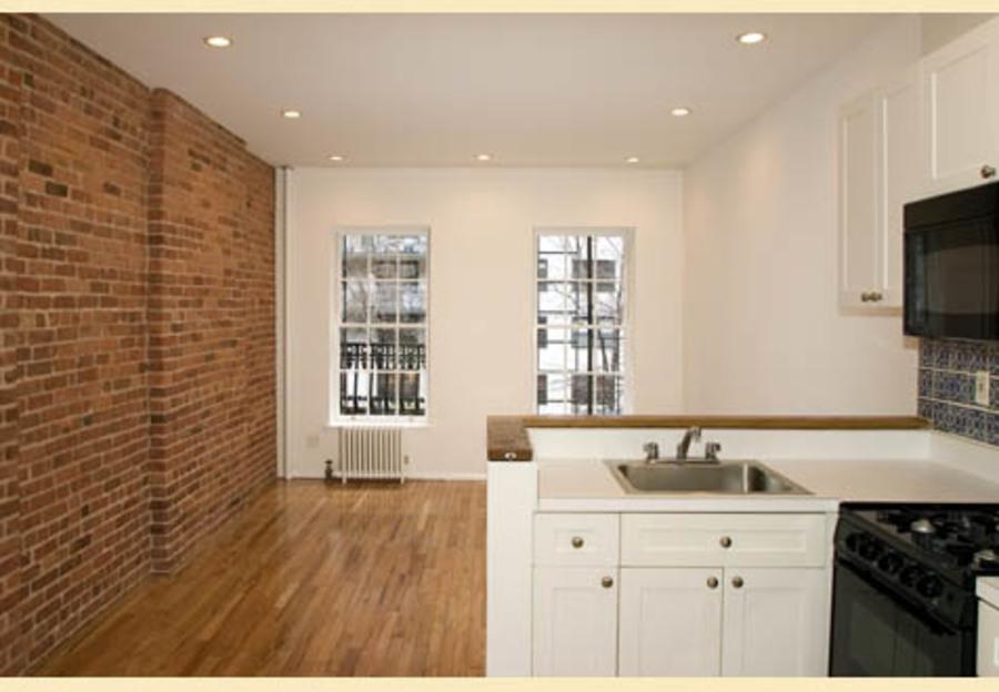 415 east 72nd street kitchen living
