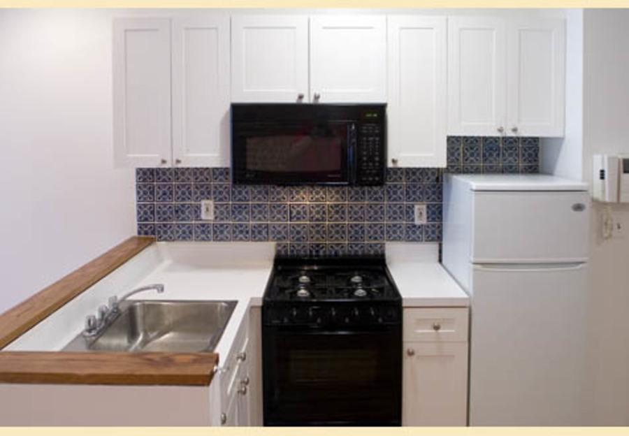 415 east 72nd street kitchen1
