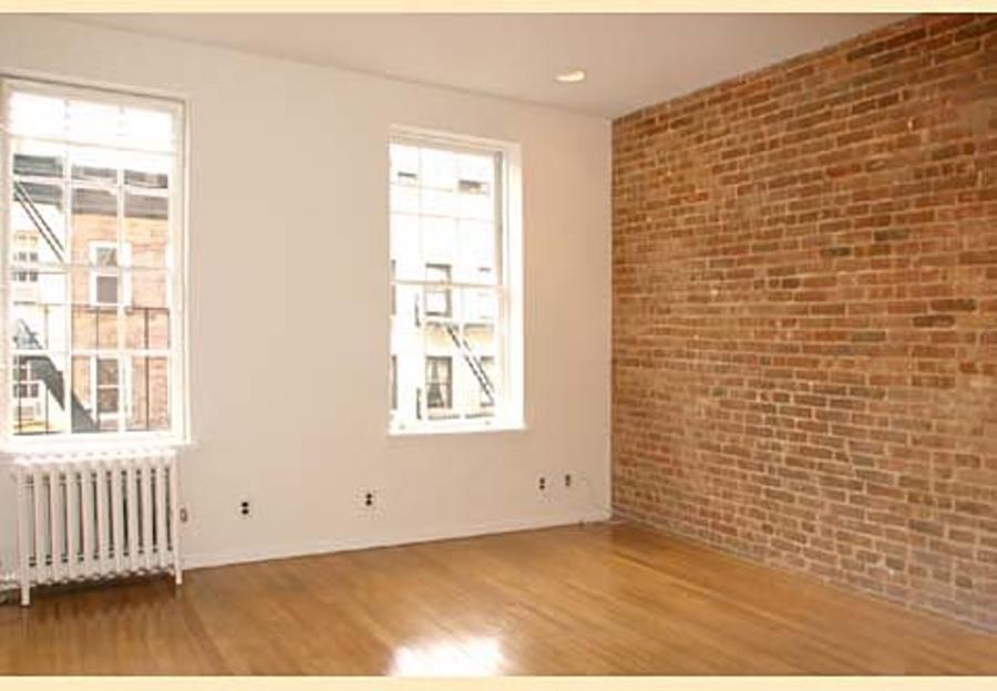 324 east 81st street living room1