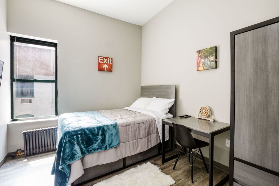 15 east 11th street bedroom