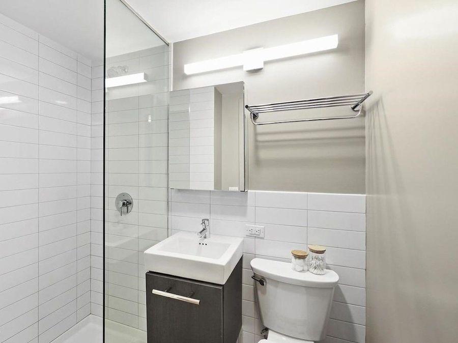 15 east 11th street bathroom