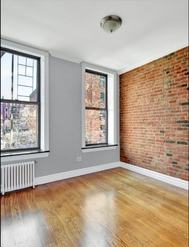 221 mott street 1br 1ba living room