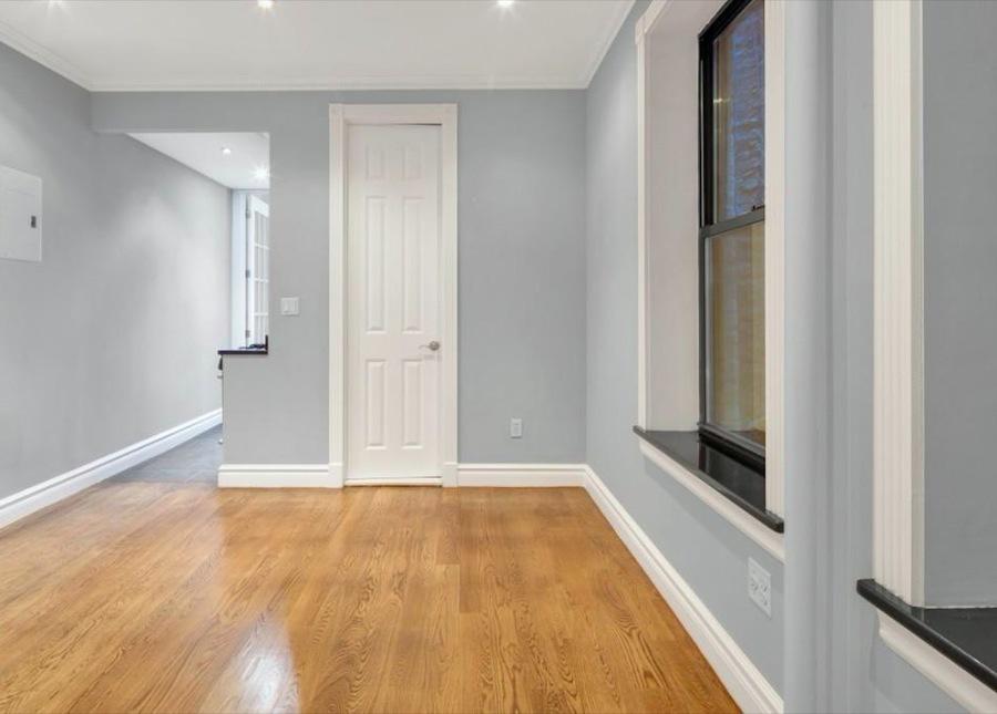 221 mott street 1br 1ba living room1