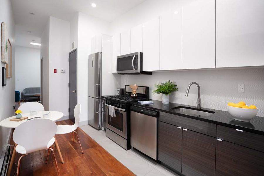 90 starr street communal kitchen1